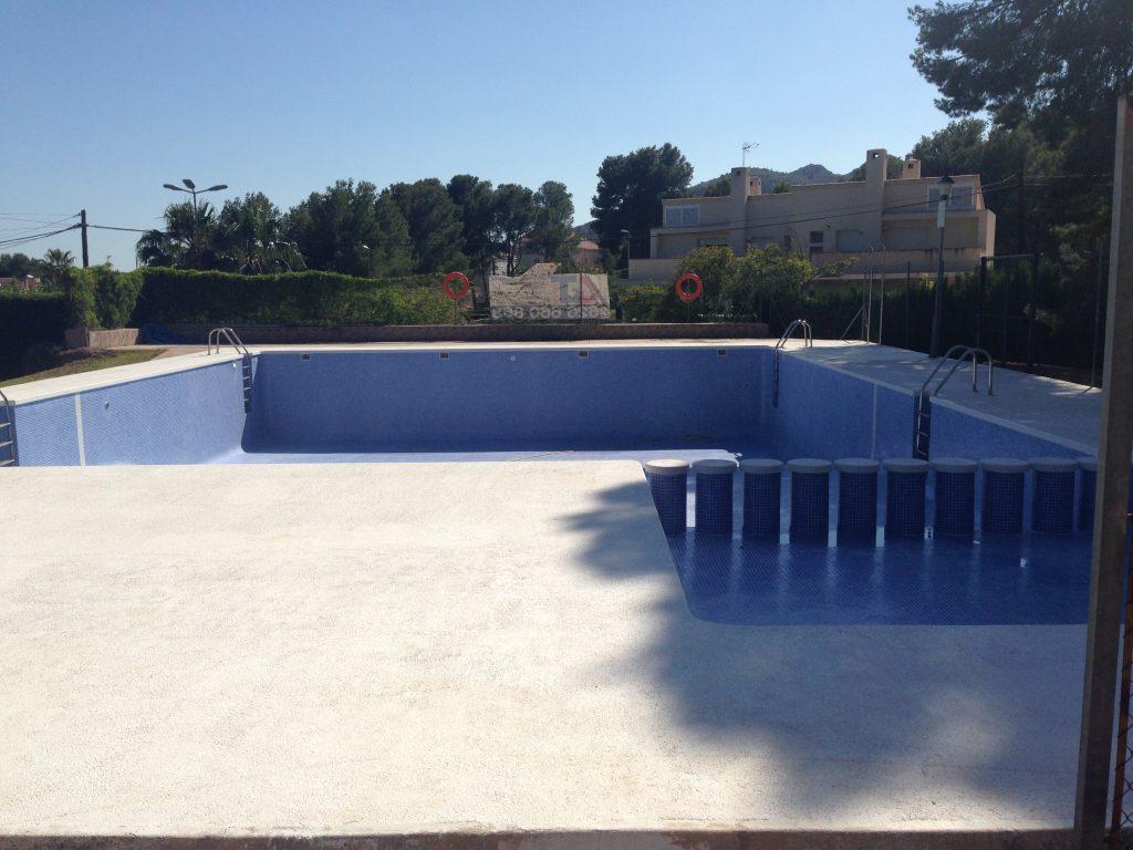 piscina club social finalizada