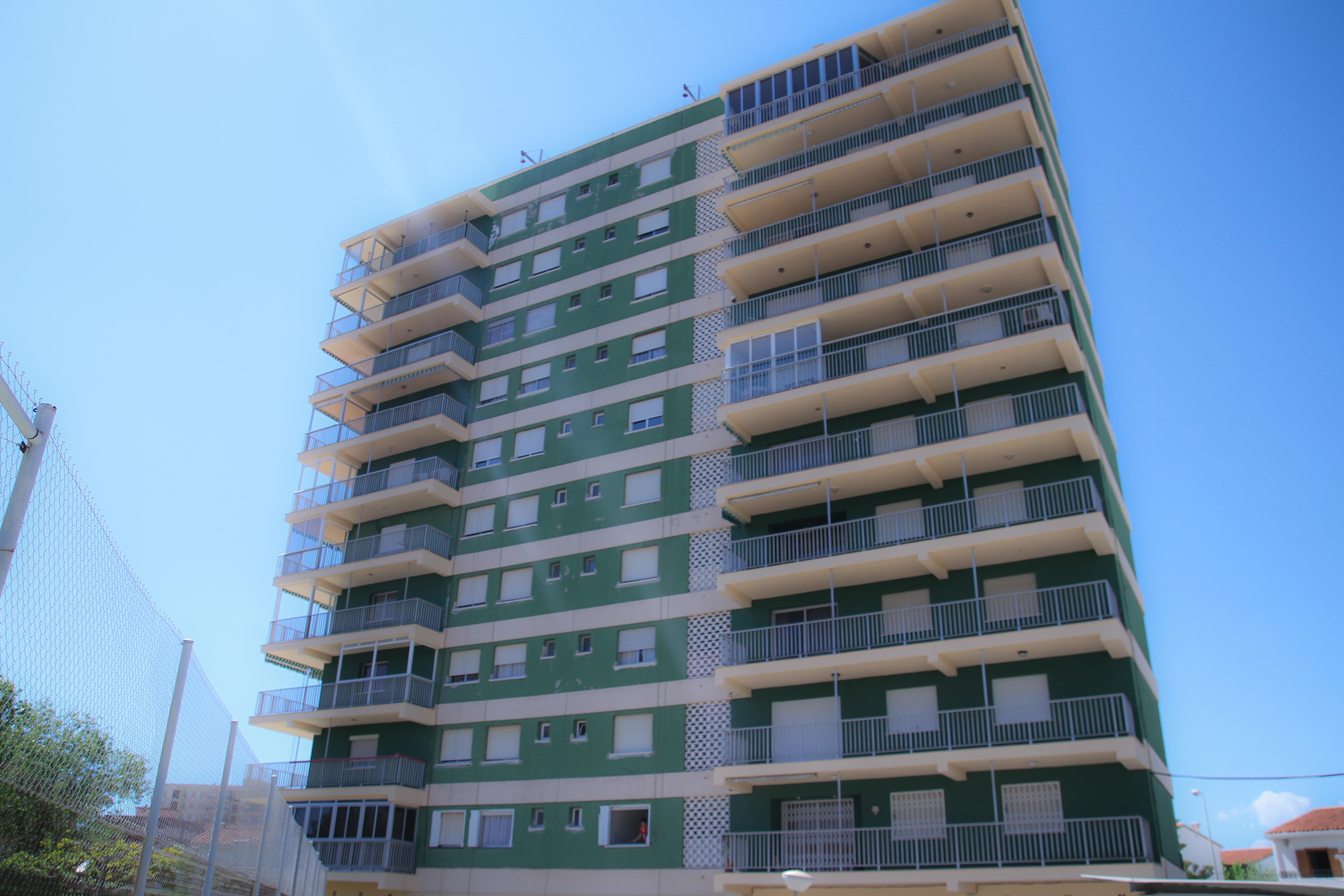 Vista de fachada lateral del bloque
