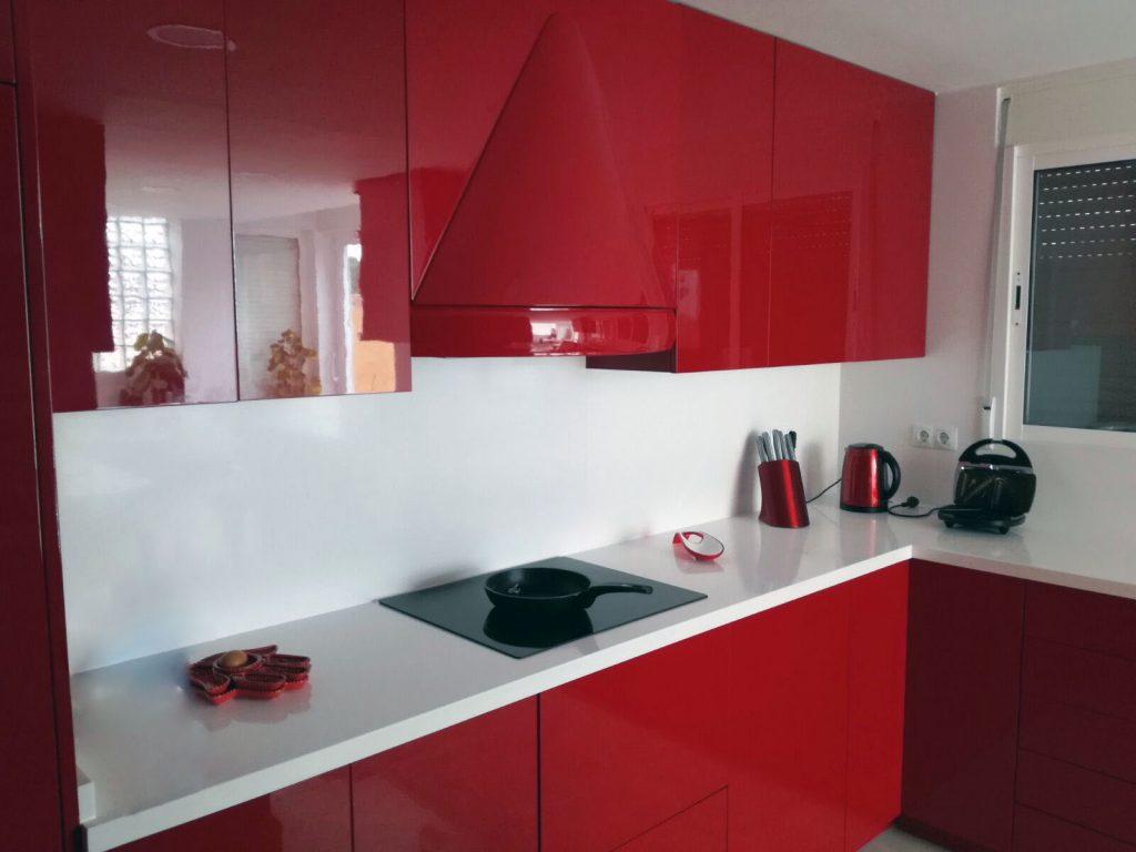 Reformas integrales castellón construcciones G&T cocina roja 2